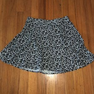 Aeropostale skater skirt with stretchy waist band!